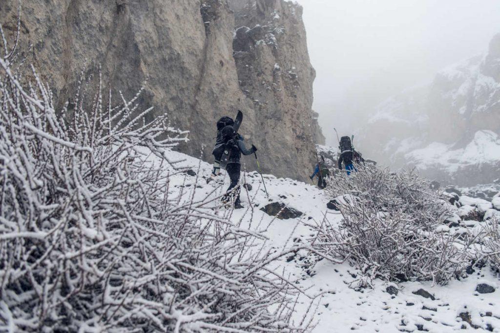 Schnee im Aufstieg